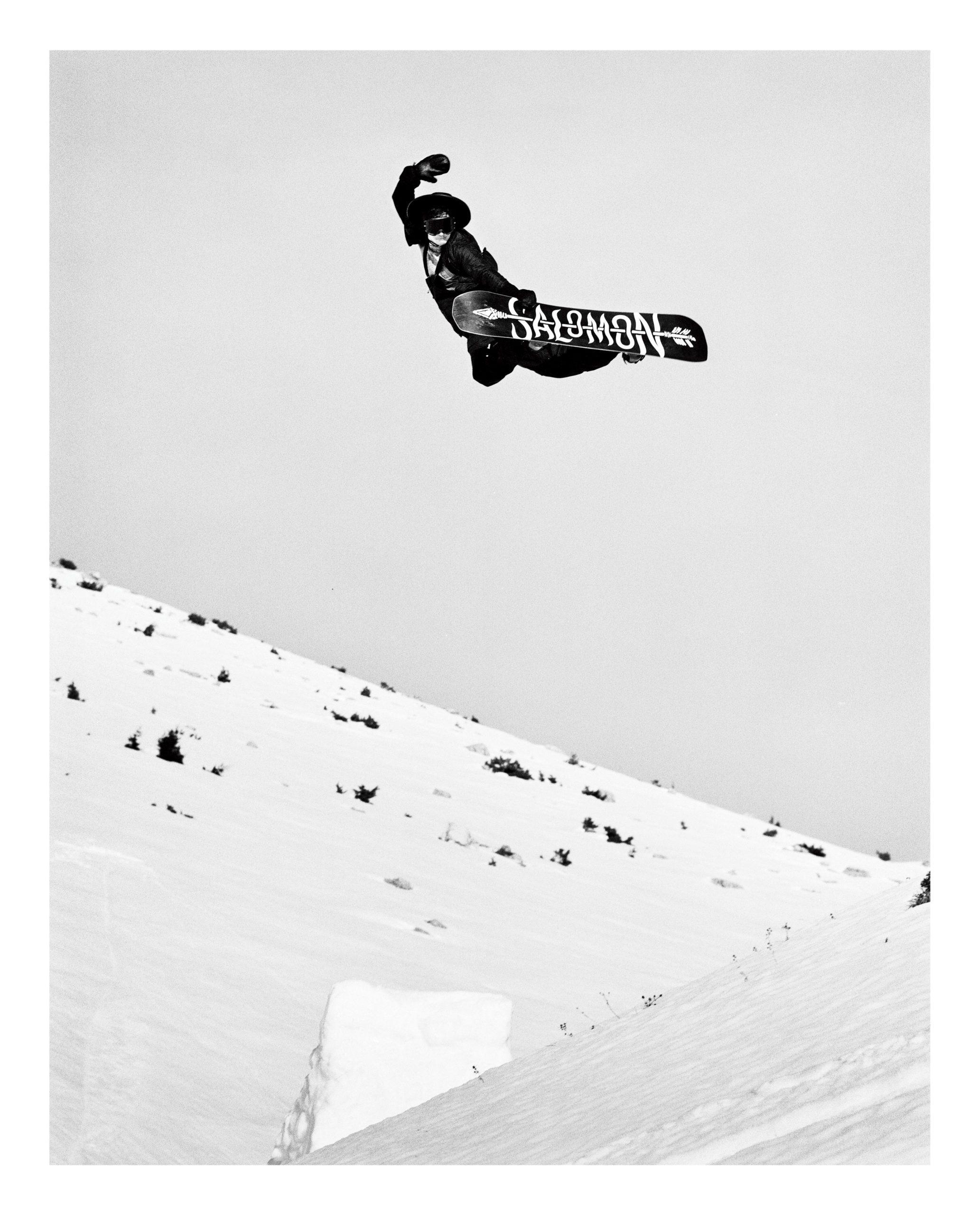 Victor Daviet snowboarding in greece