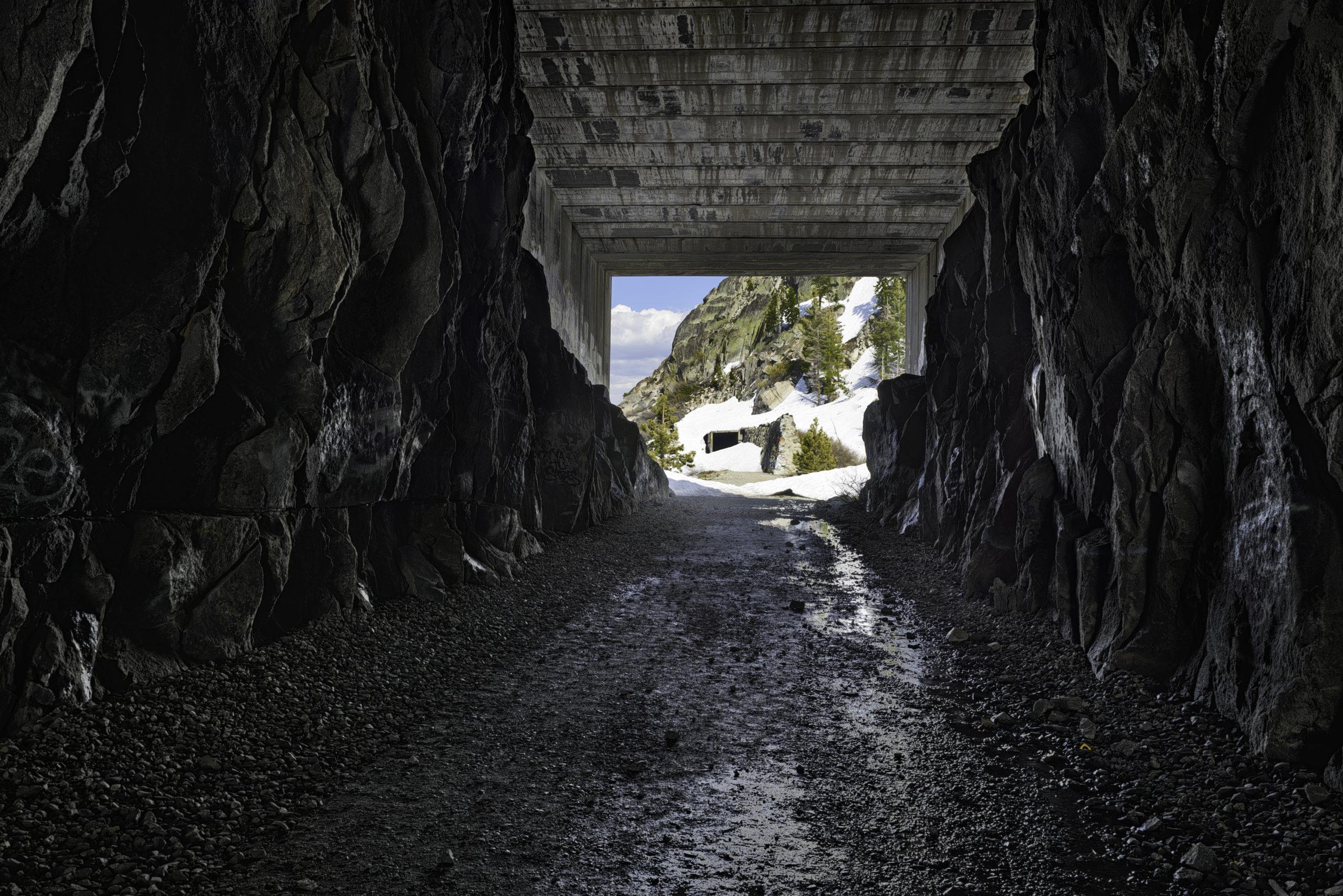 Ikon Pass California Donner Tunnels